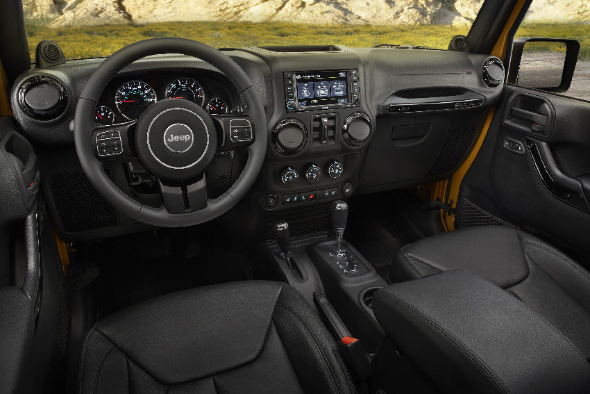 Acrt actualit cherokee grand cherokee et wrangle en for Interieur jeep